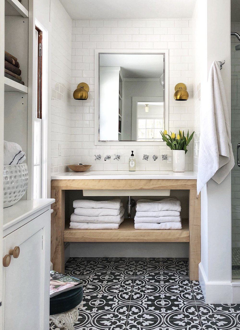 Alison Kist Interiors Farmhouse Bathroom.jpg