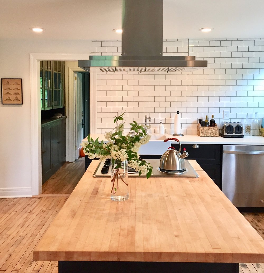 Alison Kist Interiors Farmhouse Kitchen.jpg