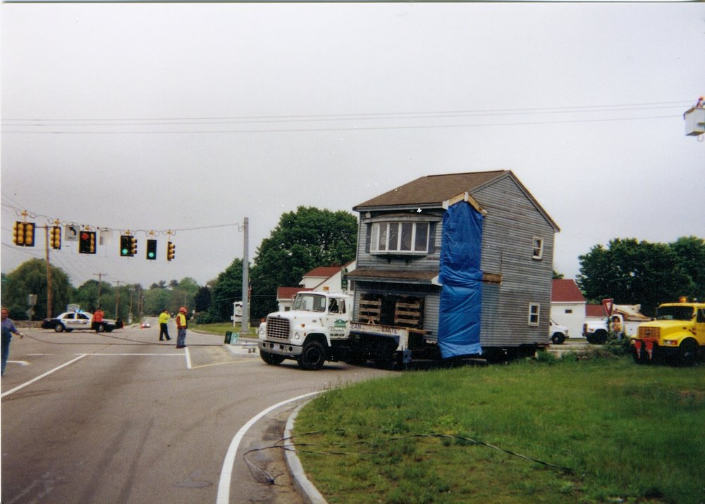 Eastman Building movers moves a home in Rhode Island, Massachusetts and Connecticut.