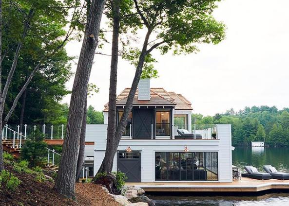 10_muskoka_living_interiors_boat_house.png
