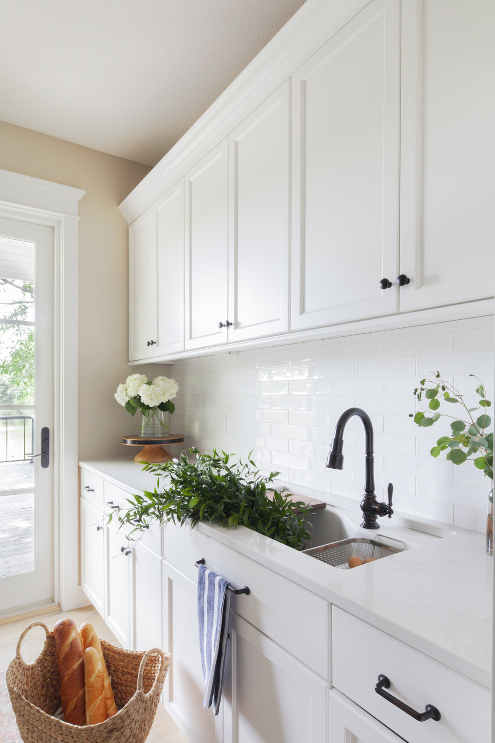 before-and-after-home-reveal-scout-and-nimble-lake-view-luxe-country-interior-design-butlers-pantry-kitchen-21.jpg
