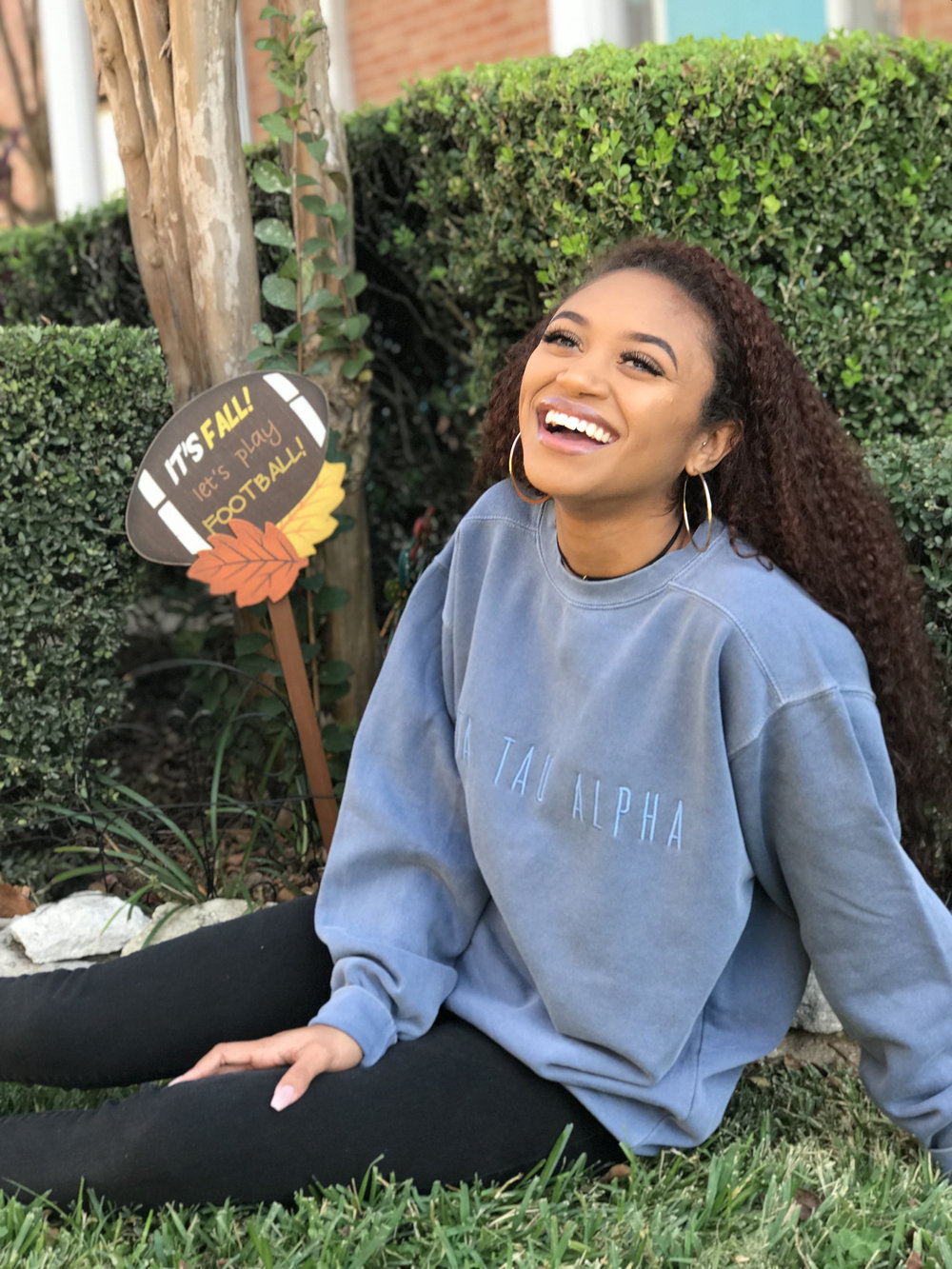 2. Comfort Colors Crewneck Sweatshirt - The ideal oversized sweatshirt for class that matches any outfit. Perfect to wear with leggings, jeans or sweatpants!