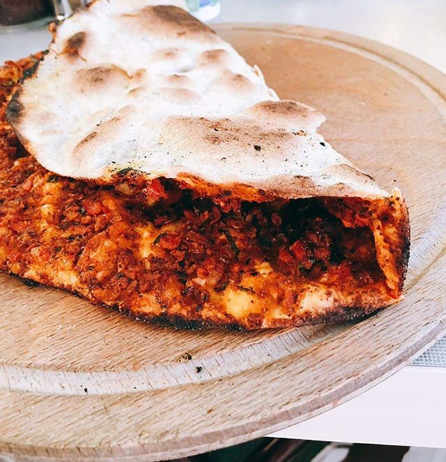 Sometimes you just want to eat a Lahmacun... @yamabahce @yamabahceturk @yamabahcemenu  #yamabahce #lahmacun #pide #betterpide #london #whattoeat #tuesday #eat #food #turkishrestaurant #turkishfood #londoner #londonfood #londonist #mylondon #instalondon #breakfast #lunch #dinner #mood #tasty #happiness #foodie
