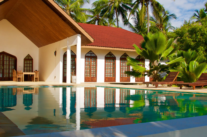 garden-beach-villa-zanzibar-pool.jpg