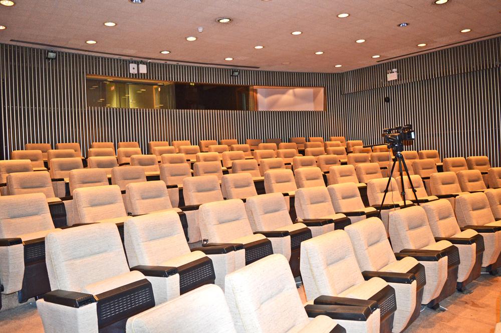 Typical theatre setting for Quantitative studies