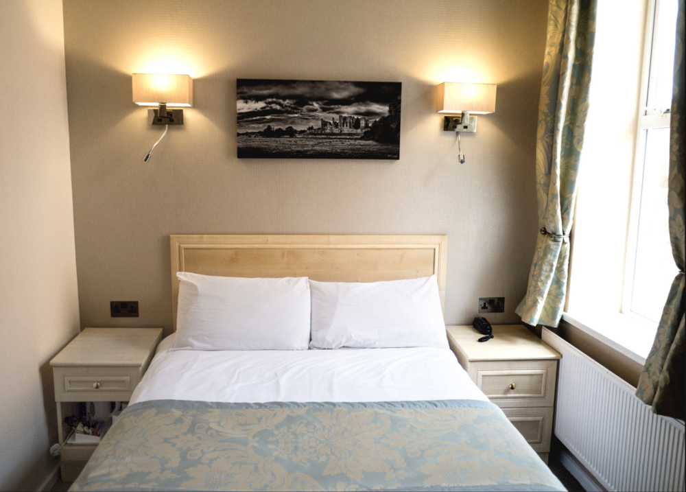 Double Room Victoria Park Lodge Leamington Spa