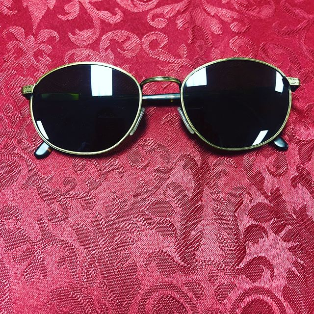 Revo Vintage Sunglasses Unisex Green Excellent Condition $230 210-267-1624 #saresale #sanantonio #sanantoniofashion