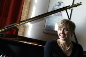 Elizabeth Newkirk - PIANOBIO COMING SOON