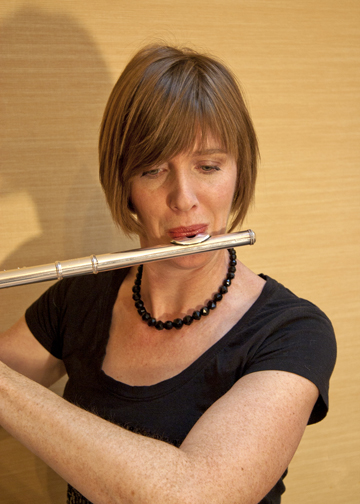 Lisa Goethe-McGinn - FLUTE, SUZUKI FLUTELisa Goethe-McGinn has been instructor of Suzuki and traditional flute at Sherwood Community Music School at Columbia College Chicago for over 14 years.  She is a certified Suzuki instructor and has many years experience teaching flute and recorder in addition to coaching chamber ensembles.  She is an active soloist and chamber musician and has performed in many festivals and concert series' throughout the U.S. and abroad.Lisa received her degrees from the University of Illinois and Millikin University and has studied with Alexander Murray, Mary Karen Clardy and Mary Ellen Poole.  She has participated in masterclasses with Robert Dick, Walfrid Kujala and Patricia Spencer.Lisa is also on the faculty of Columbia College Chicago, Chicago Center for Music Education in the West Loop area in addition to her home studio in the western suburbs.