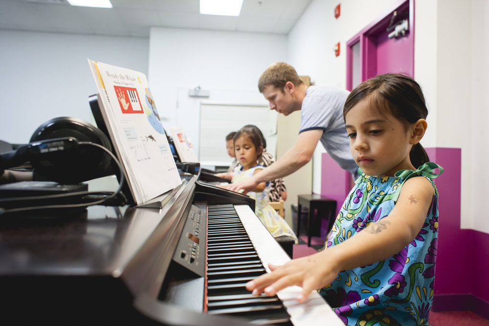 Kids Piano Lab - AGES 6 - 8Kids Piano Lab level 1 begins every 8 weeks for new students. Once a student enrolls in the Kids Piano Lab program, they will typically continue with that same group of students, at the same day and time every term, until the student becomes advanced to the point of moving into private instruction. Kids Piano Lab classes are 8 weeks long for introductory classes, and 16 weeks long for all subsequent continuing classes.