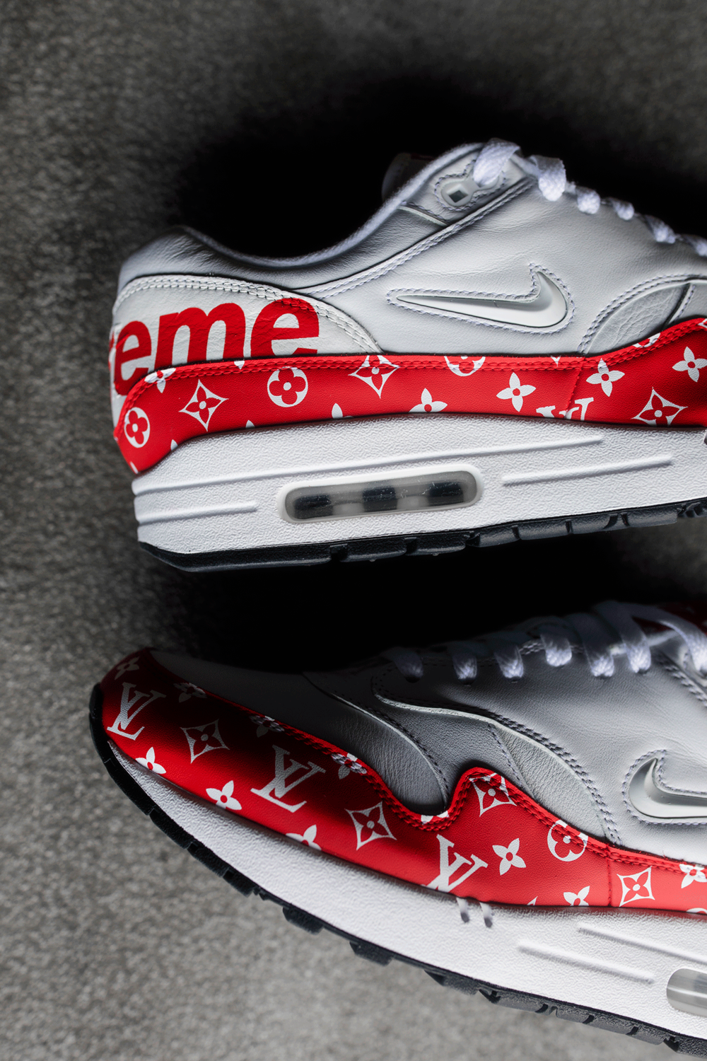 Nike Air Max 1 SC Premium. Supreme x Louis V  uitton.