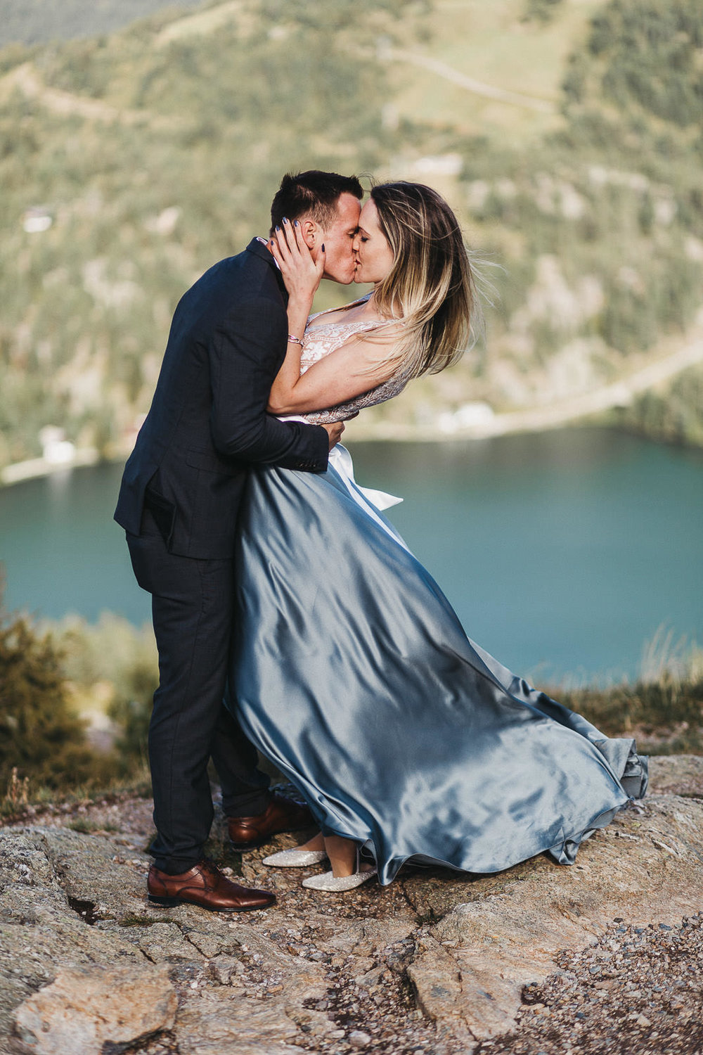 adventure-wedding-elopement-photographer-austria-daniela-vallant-salzburg-bergochzeit-panoramaalm-almhochzeit-mountain-elopement-alps-mountain-wedding-alpine