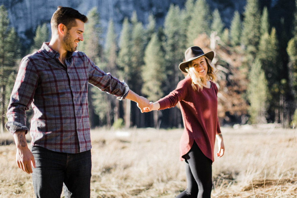 yosemite-adventure-elopement-photographer-daniela-vallant-yosemite-wedding-photo-national-park-van-life