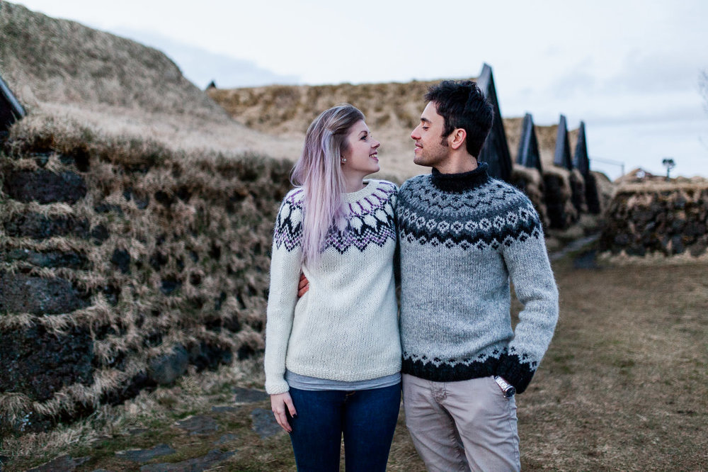 vik-black-sand-beach-elopement-iceland-photographer-daniela-vallant-wedding-photographer-iceland-turf-house