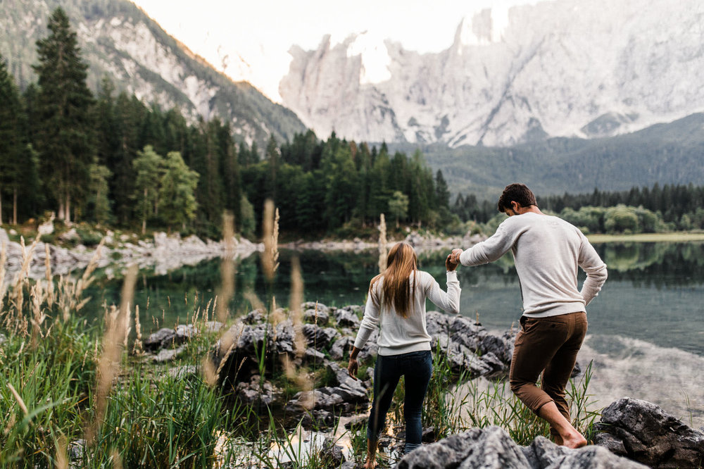 Laghi-di-Fusine-Adventure-Couple-Photographer-Wedding-Photographer-Italy-Dolomites-Daniela-Vallant