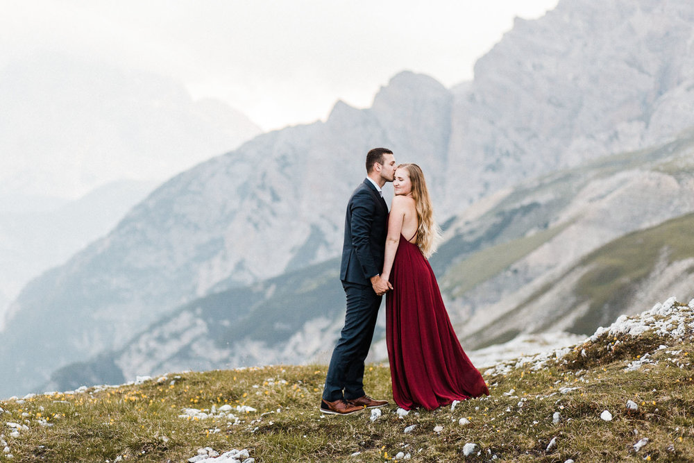 Dolomites-elopement-wedding-photographer-daniela-vallant-hochzeitsfotograf-suedtirol-dolomiten-tre-cime-di-lavaredo-adventure-wedding-photographer-europe