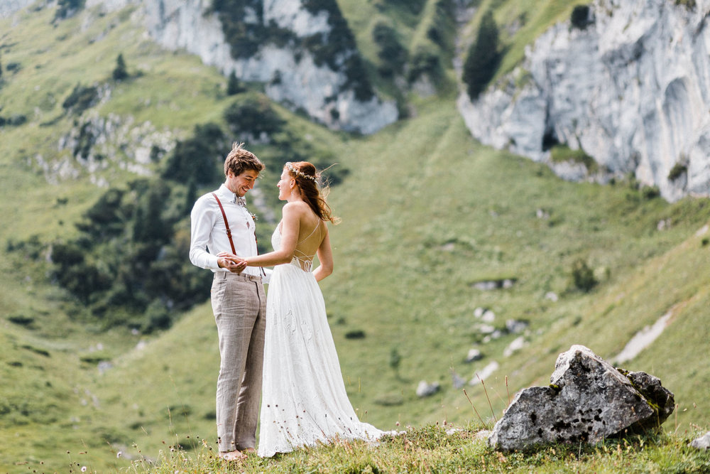 bavaria-wedding-bavarian-alps-boho-mountain-wedding-germany-bavaria-wedding-photographer (47).jpg