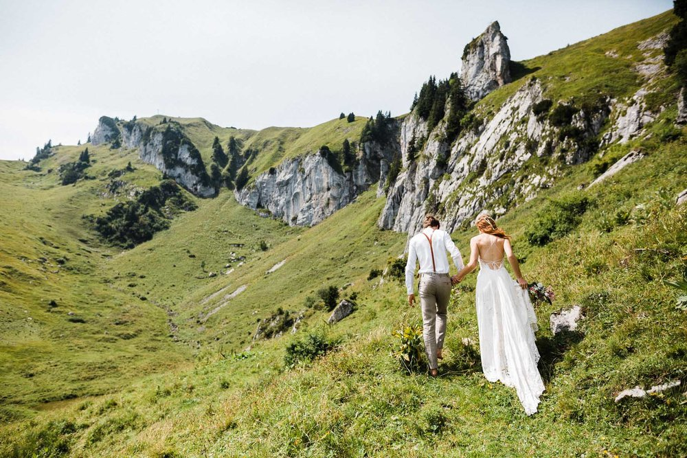 bavaria-wedding-bavarian-alps-boho-mountain-wedding-germany-bavaria-wedding-photographer (60).jpg