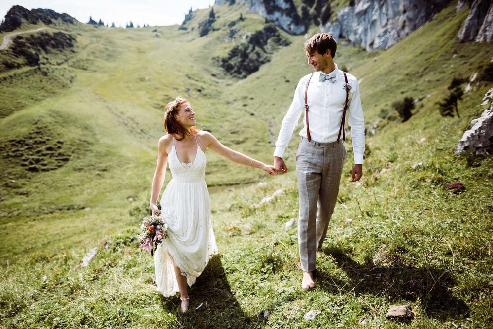 bavaria-wedding-bavarian-alps-boho-mountain-wedding-germany-bavaria-wedding-photographer (68).jpg