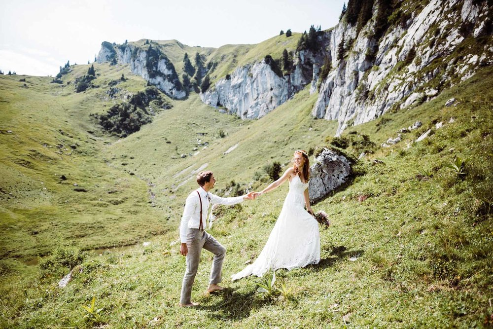 bavaria-wedding-bavarian-alps-boho-mountain-wedding-germany-bavaria-wedding-photographer (70).jpg