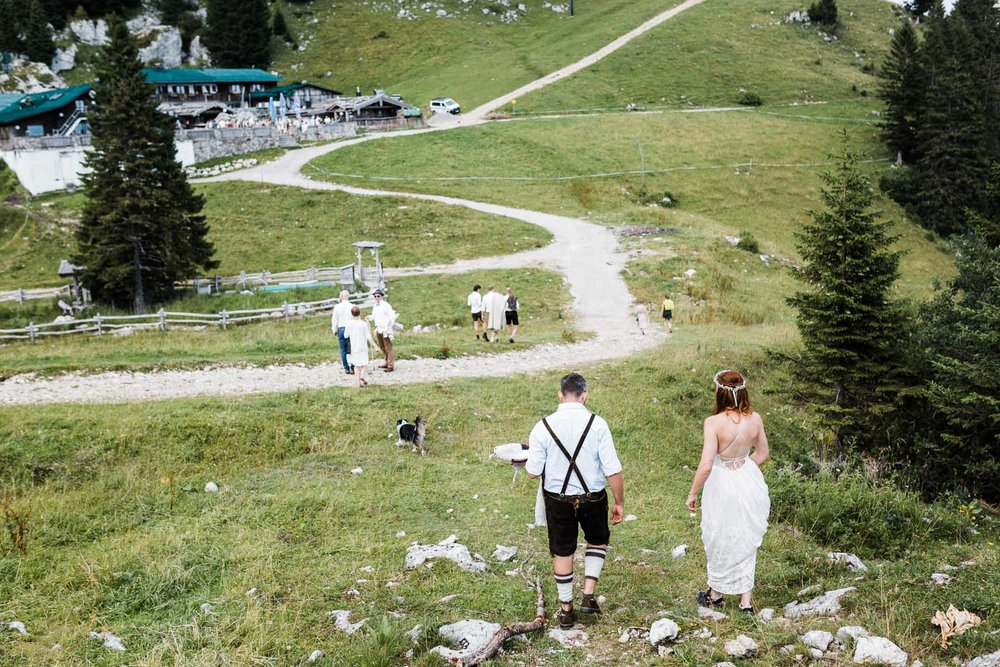 bavaria-wedding-bavarian-alps-boho-mountain-wedding-germany-bavaria-wedding-photographer (103).jpg