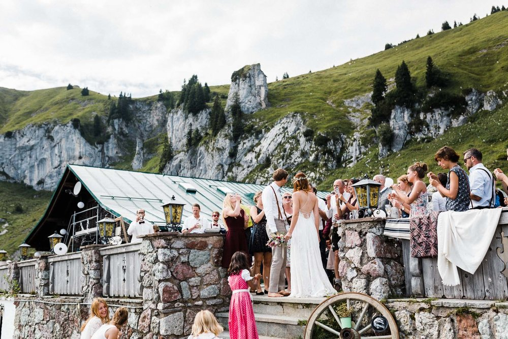 bavaria-wedding-bavarian-alps-boho-mountain-wedding-germany-bavaria-wedding-photographer (106).jpg