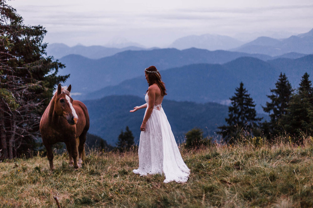 bavaria-wedding-bavarian-alps-boho-mountain-wedding-germany-bavaria-wedding-photographer (130).jpg