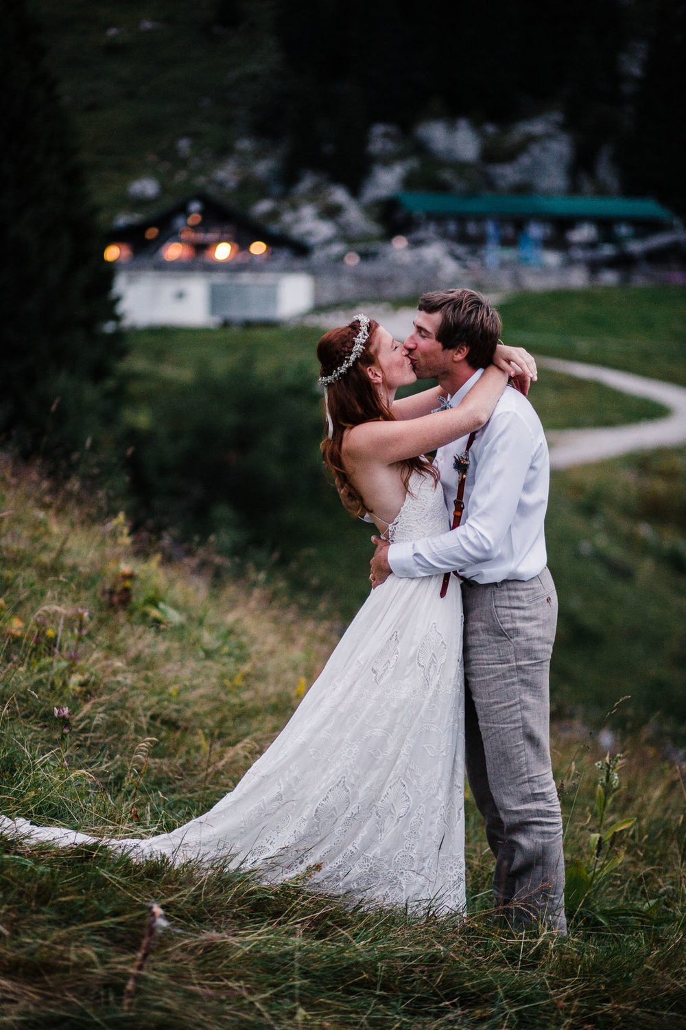 bavaria-wedding-bavarian-alps-boho-mountain-wedding-germany-bavaria-wedding-photographer (135).jpg