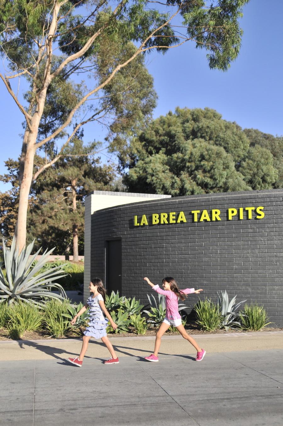 Walking_TarPits_kids_lacma_free_LA-900x1355.jpg