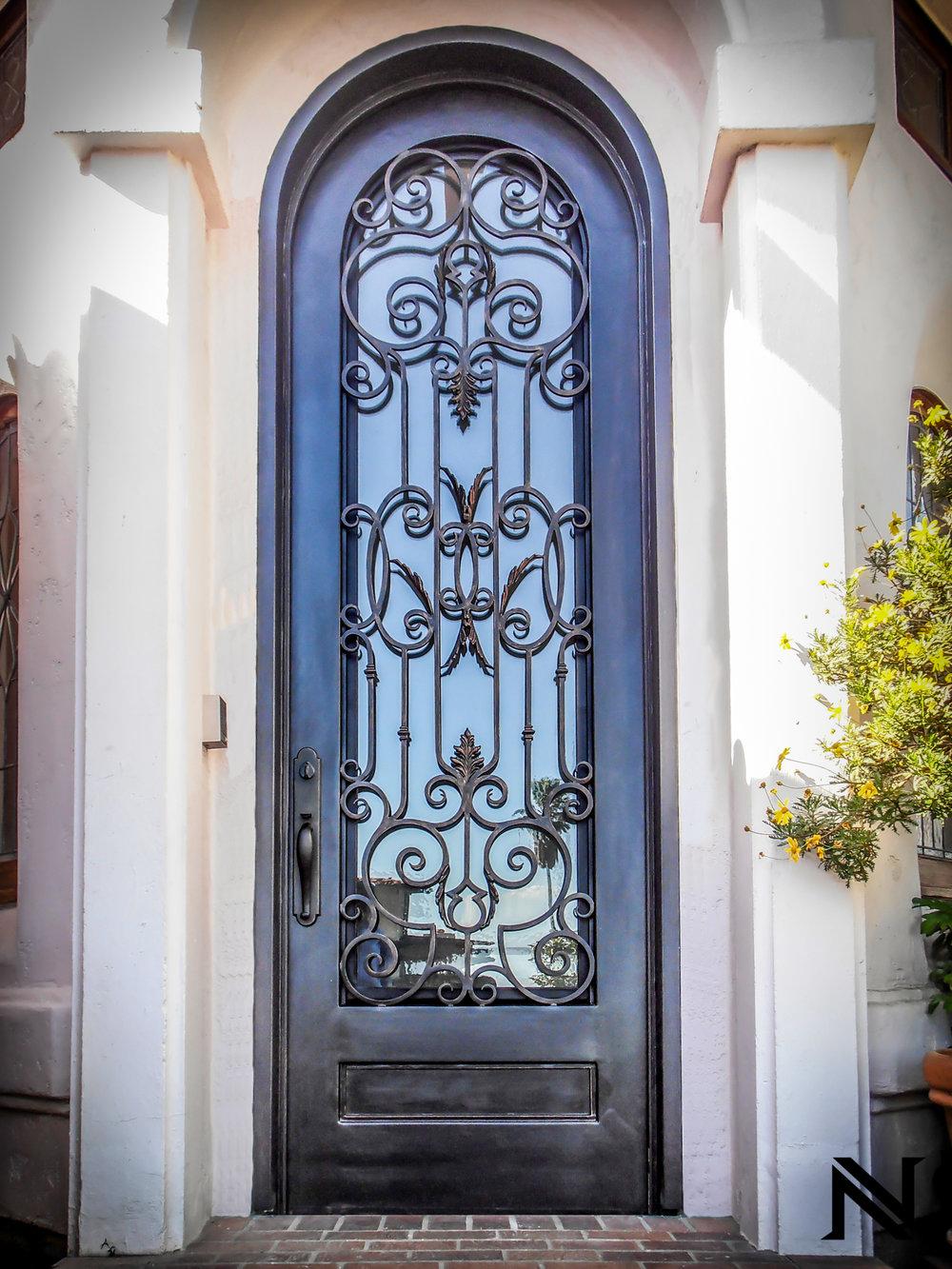 Doors D1
