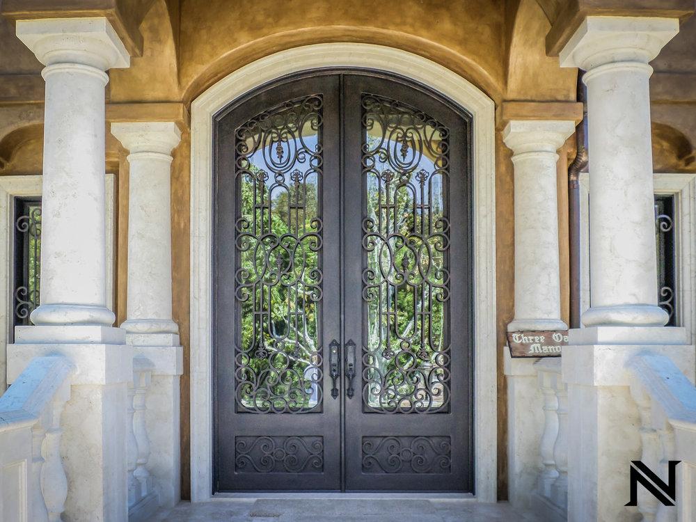 Doors B4
