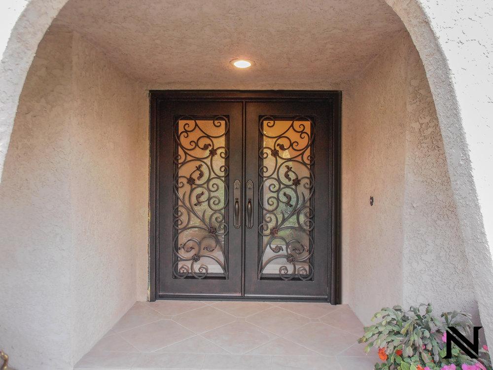 Doors D18