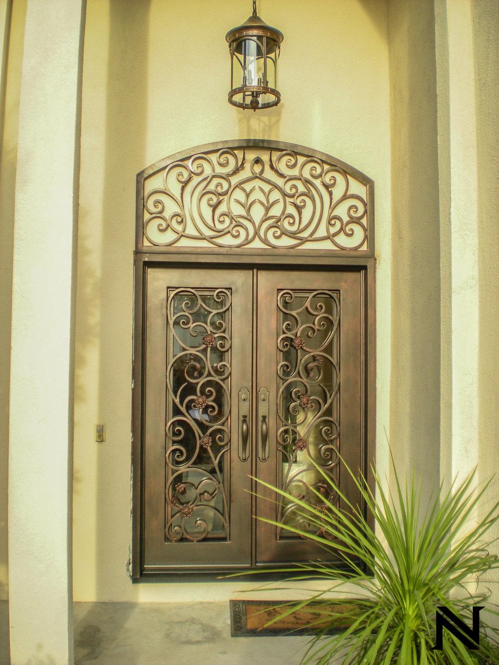 Doors B18