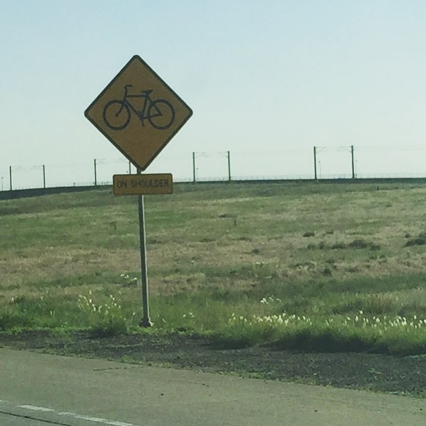 Has any human actually ridden a bike on Peña Blvd to DIA? (Yes, it's on the Denver Bike map.) #notabikestreet