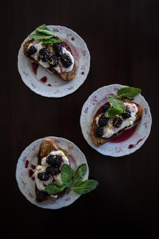 blackberry tartines-117.jpg