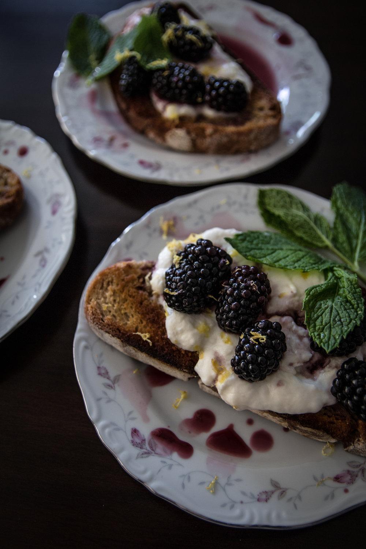 blackberry tartines-121.jpg
