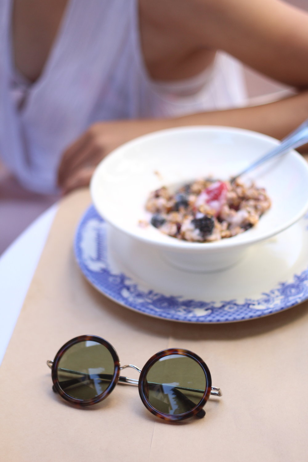 Linen granola and sunnies