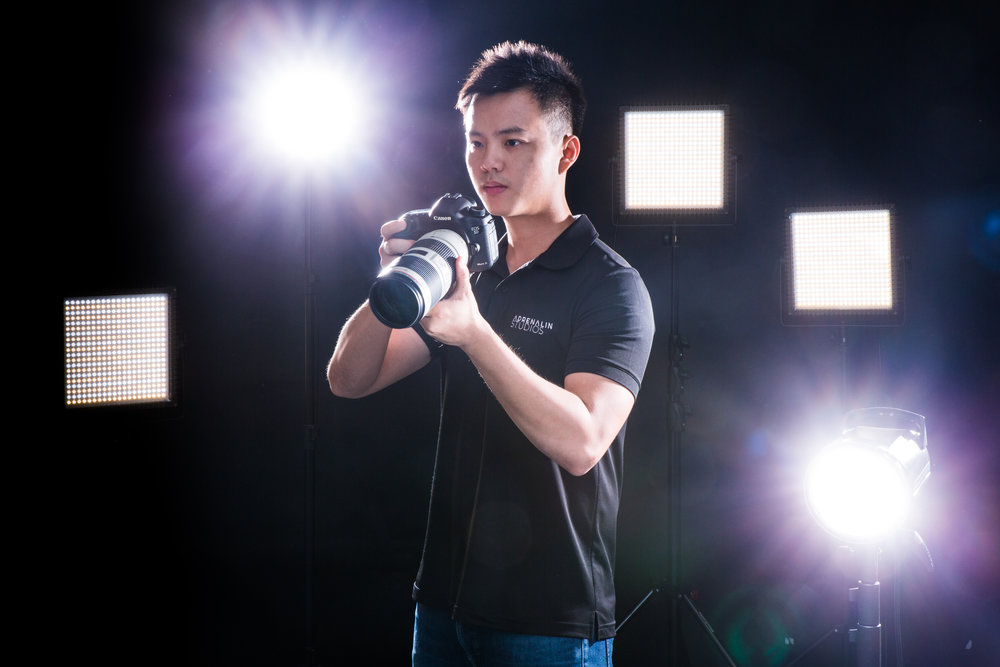 Yong Lin - Yong Lin is a photographer of Adrenalin Studios, and has over 8 years of experience in the event photography business. Over the course of the years, Yong Lin's works have won numerous awards, some of which include the Canon photo marathon in 2014, The New Paper Big Picture Award in 2015, and the 2017 Garden Photographer of the Year by Nparks. He enjoys wildlife photography in his free time, and his photos have been featured on Channel NewsAsia, The Strait Times, Your Shot (National Geographic) and Yahoo.