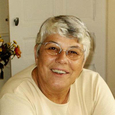 Jocelyne Martin, qui partage avec Richard la responsabilité d'identifier des bénévoles   Jocelyne a fait des études de philosophie puis a été cadre dans une banque privée où elle assurait la gestion des ressources humaines. Amoureuse de la litérature, elle est impliquée dans diverses activités culturelles de la région.