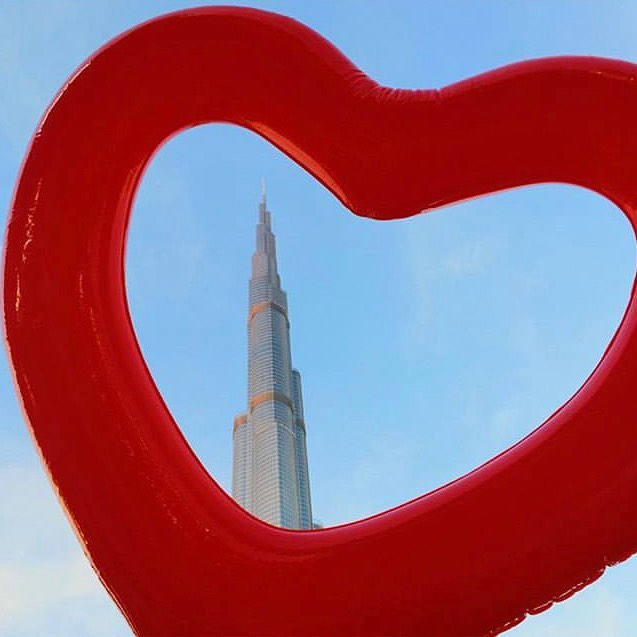 For all our all our art lovers out there!❤️ loving this fun shot by @boutiquenomads #artemaar #downtowndubai