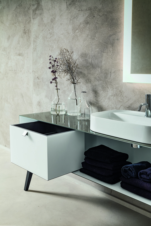 bathroom furniture-dettaglio.jpg