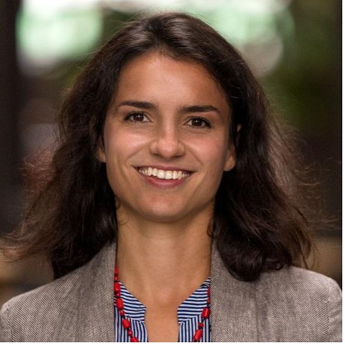Daria Urman - Daria Urman ist gelernte Finanzmathematikerin mit über fünf Jahren Erfahrung als Projektleiterin für große Wirtschaftsprüfungsgesellschaften und Finanzdienstleister in den Bereichen Due Diligence, Unternehmensbewertung und Investment.Seit September 2018 ist sie als Projektmanager beim Purpose Netzwerk tätig und ist vor allem für Finanzfragen zuständig.Panel: Impact Finance (10.45 - 11.30 Uhr)