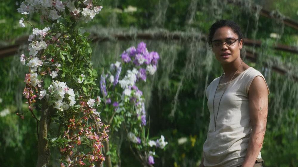 annihilation-tessa-thompson-flowers.jpg