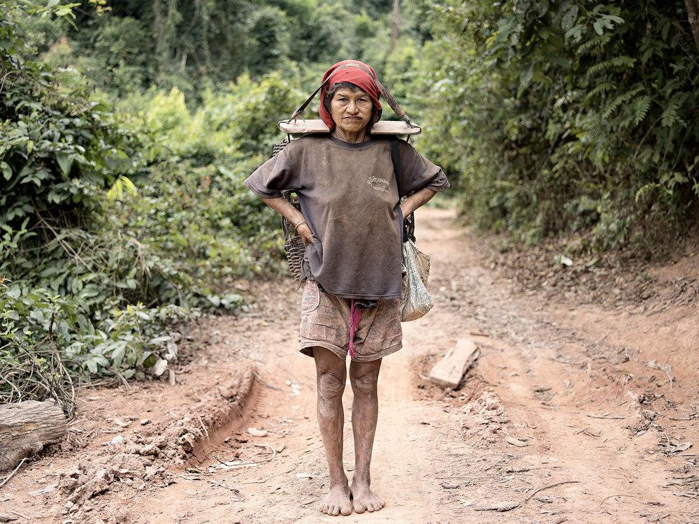 Lena Dobrowolska & Teo Ormond-Skeaping, Portrait of resilience #1 -Akha Village, Luang Namtha, Lao PDR