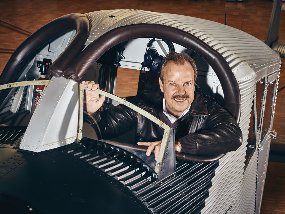 CEO - Dieter Morszeck  JUNKERS Flugzeugwerke AG