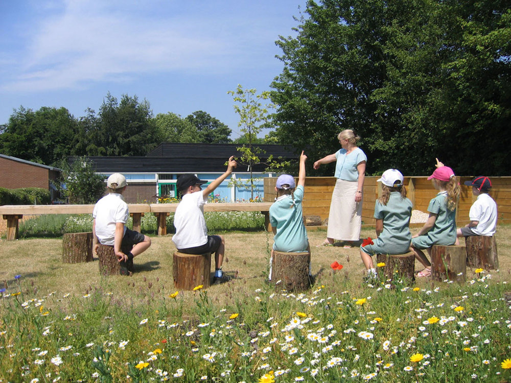 Old Basing Infant School outdoor classroom 02jpg.jpg