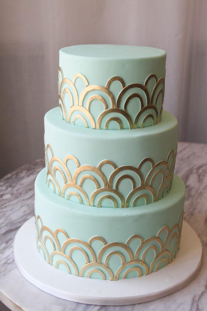 Art Deco Gold Arch Wedding Cake