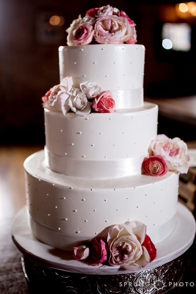 Classic Single Dot Wedding Cake