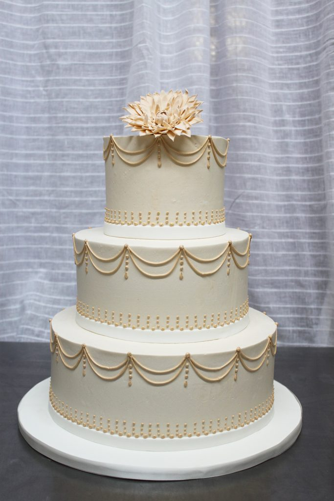 Vintage Swag Wedding Cake