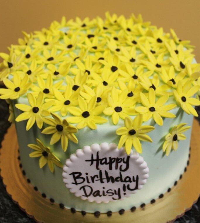 Yellow Daisy Cake
